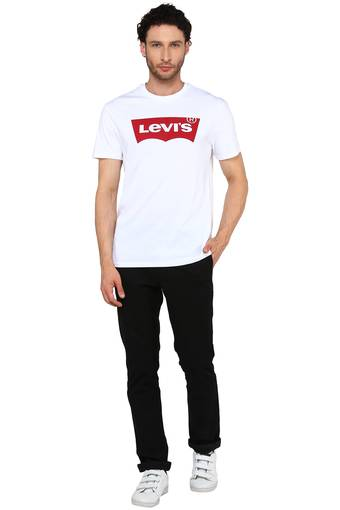 Levis Men Chest Print Casual Wear T-Shirt