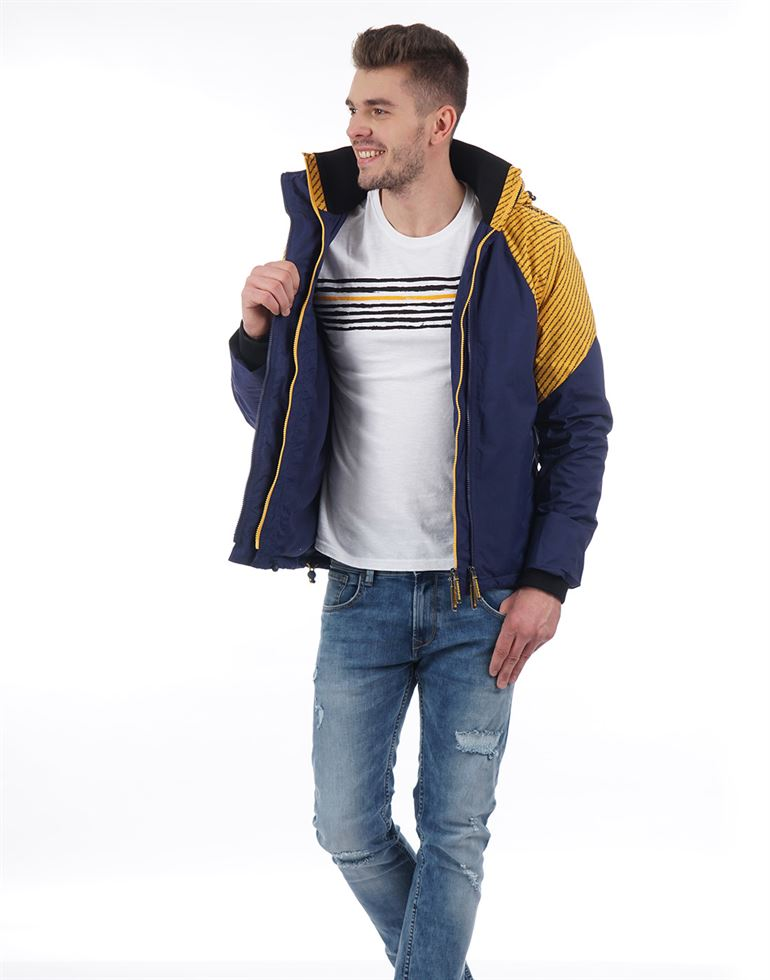 Superdry Men Casual Wear Solid Jacket