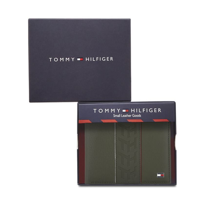 Tommy Hilfiger Men's Leather Passcase Wallet