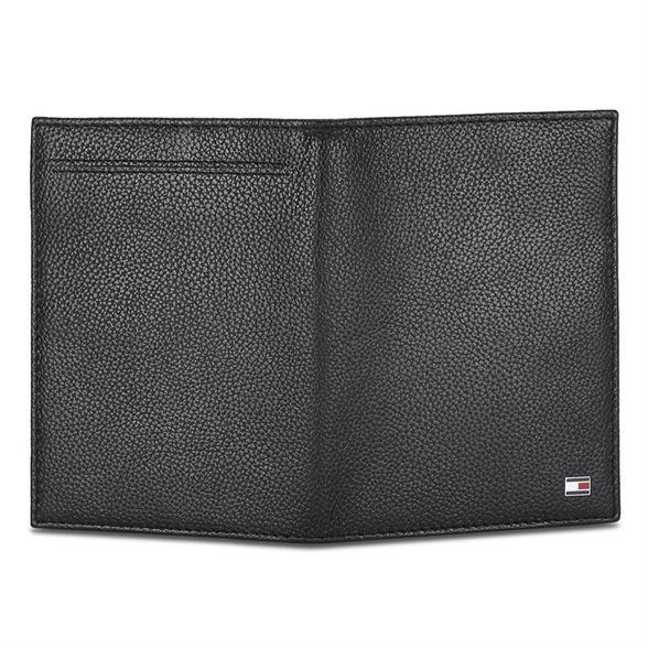 Tommy Hilfiger Men's Leather Passport Holder