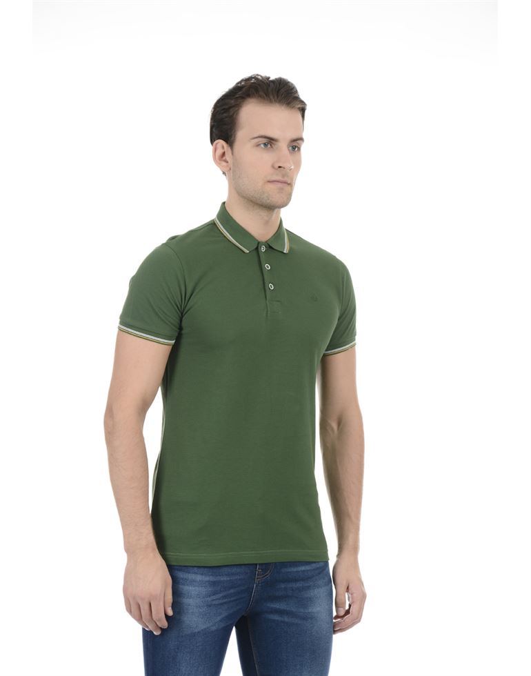 United Colors of Benetton Men Casual Wear Solid Green T-Shirt