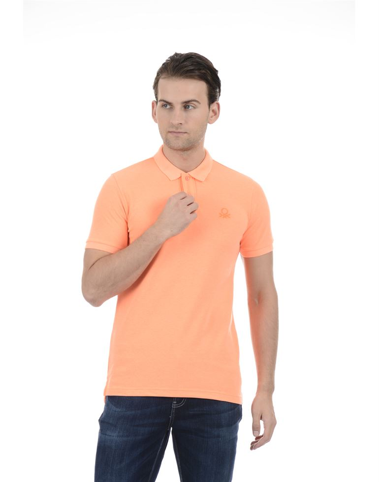 United Colors of Benetton Men Casual Wear Solid Peach T-Shirt