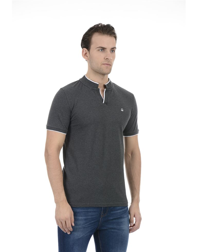 United Colors of Benetton Men Casual Wear Solid Dark Grey T-Shirt