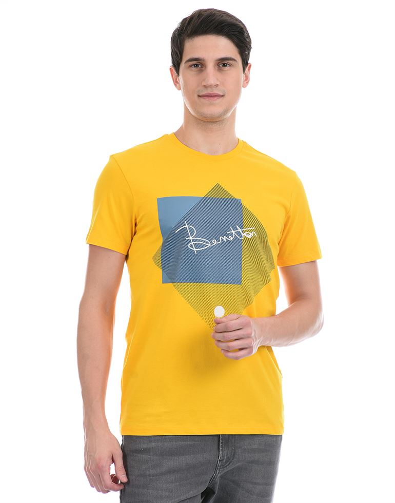 United Colors of Benetton Men Casual Wear Yellow T-Shirt