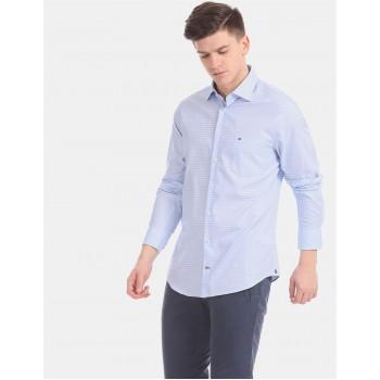 Tommy Hilfiger Men Blue Striped Casual Shirt