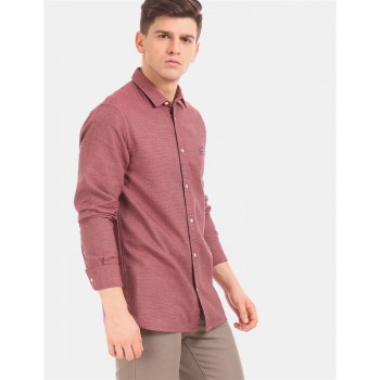 Tommy Hilfiger Men Red  Solid Casual Shirt